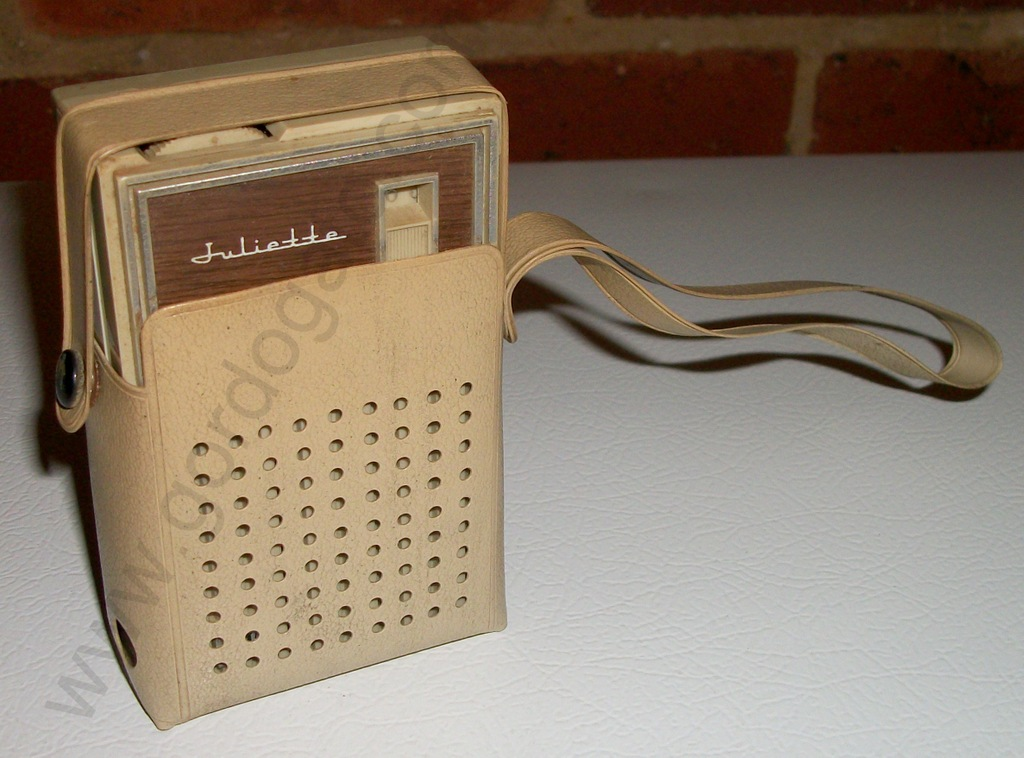 Juliette Solid State Portable Pocket Transistor Radio
